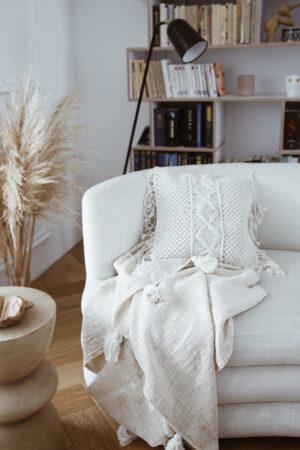 poduszka makrama poszewka fotel kwiat stokrotka