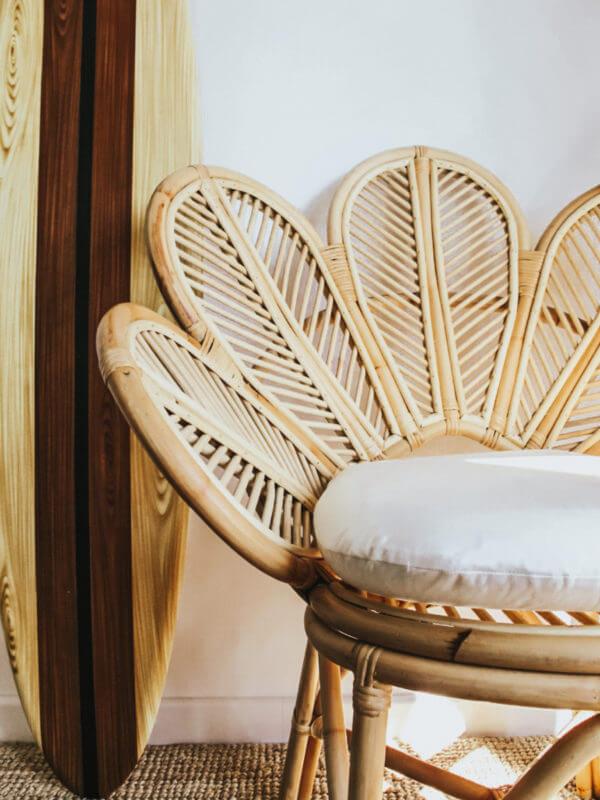 boho rattanowy fotel stokrotka bali deska surf