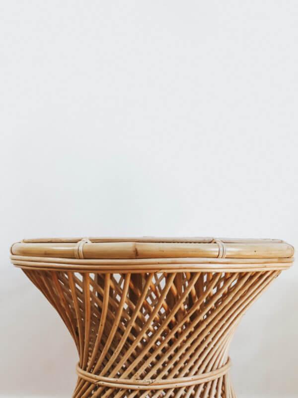 Rattanowy okragly stolik inspire