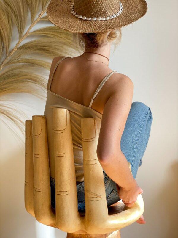 drewniane krzeslo dekoracyjne